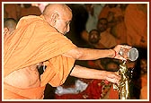 Swamishri performs the first panchamrut abhishek of Nilkanth Varni